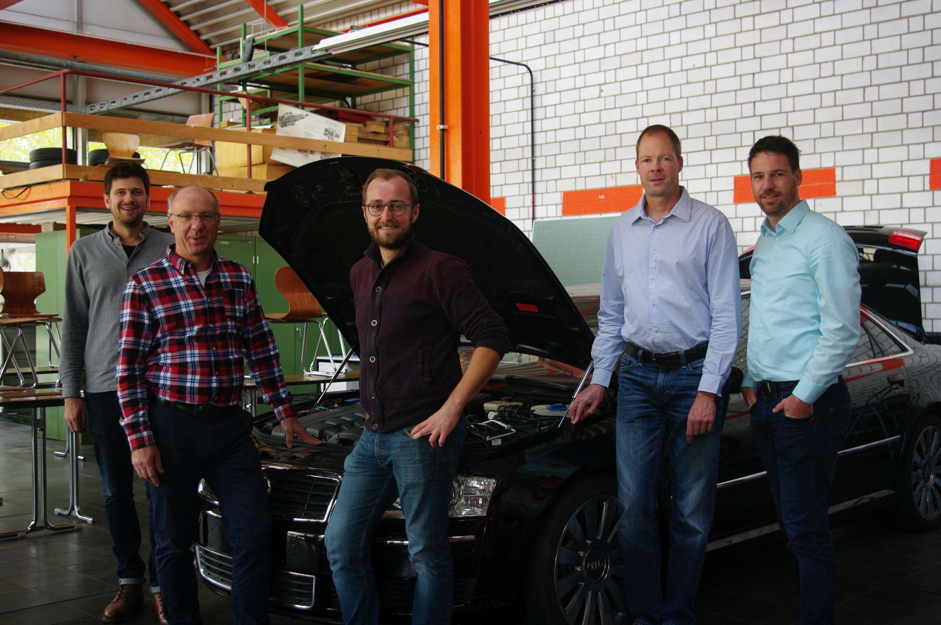 Abteilung Kraftfahrzeugtechnik - Leo Greier, Simon Manger, Gerald Makowski, Sebastian Werner, Rolf Hoffmann - von links nach rechts